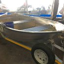 Linder aluminium boat with oars